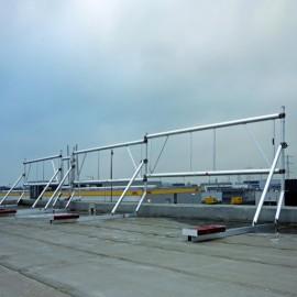 Altrex Dachrandsicherung für Flachdächer in der Sektion 2.45 m